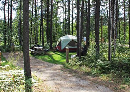 camping-vauvert-terrains-emplacement